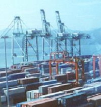 containers-in-seaport-200